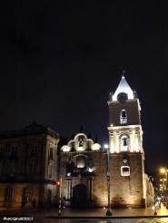 Iglesia de San Francisco en una fria noche